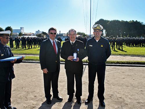 EAMSC realiza entrega da medalha Amigo da Marinha