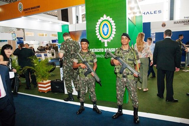Exército Brasileiro expõe projetos estratégicos durante a IV BID-Brasil