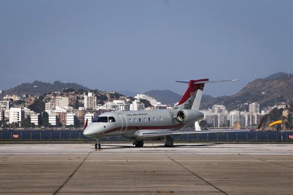 FAB recebe nova aeronave-laboratório para inspecionar equipamentos de aeroportos