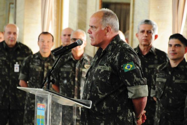 Formatura em homenagem à Patrona da Família Militar