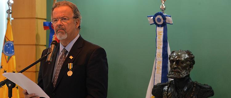 O Ministério da Defesa passará por uma restruturação. O anúncio foi feito pelo ministro, Raul Jungmann, durante cerimônia em comemoração pelo sexto aniversário do EMCFA