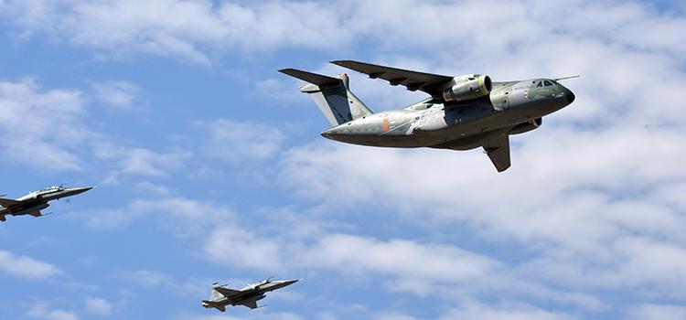O KC-390 é o maior avião produzido no Brasil - Foto: Tereza Sobreira