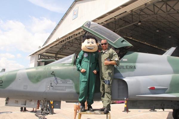 Aeronaves F-5 ficaram em exposição