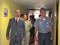 Vice-Almirante (RM1) Alvarez visitou instalações ao lado do Contra-Almirante Lourenço