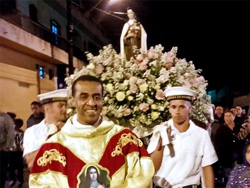 CPSP apoia procissão de Santa Terezinha em Itanhaém (SP)