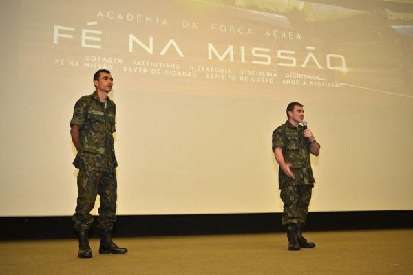 Cadetes da AFA recebem instruções de atletas olímpicos