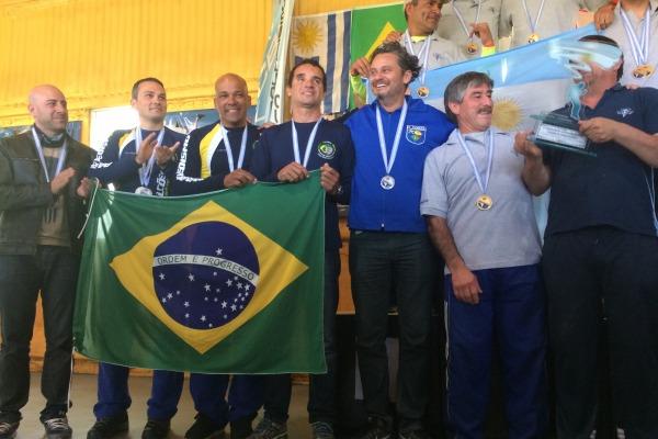 Militares são destaque em Campeonato de Paraquedismo e de Vôlei de Praia
