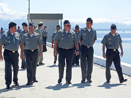 Centro de Munição da Marinha recebe a visita do Comandante da Marinha