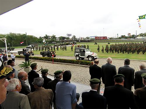 Cerimônia contou com a presença de militares que atuaram em missões da FAIBRAS
