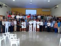Militares e civis participantes da cerimônia