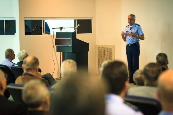 Em SP, palestra apresenta reestruturação da FAB