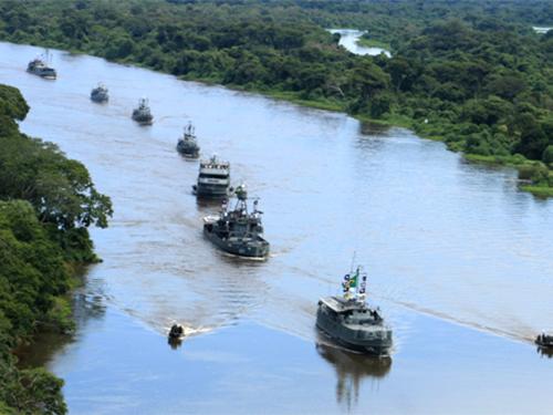 """Navios suspendem para a operação """"Fronteira Sul"""""""