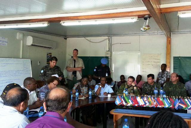 Atividades de apoio às vítimas do Furacão Matthew são discutidas no Haiti