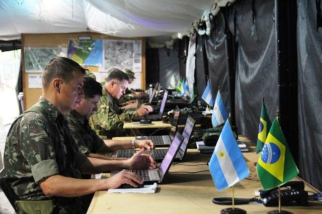 Operação Guarani 2016 tem início na Argentina, com tropas do CMS