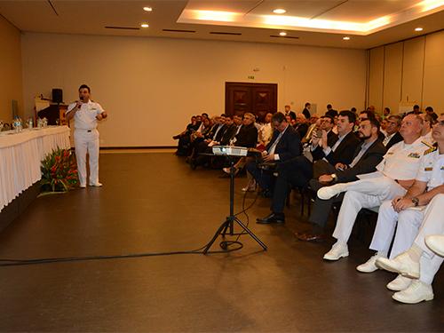 Marinha firma convênio com ANTAQ