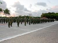 Fuzileiros Navais em formatura para boas-vindas