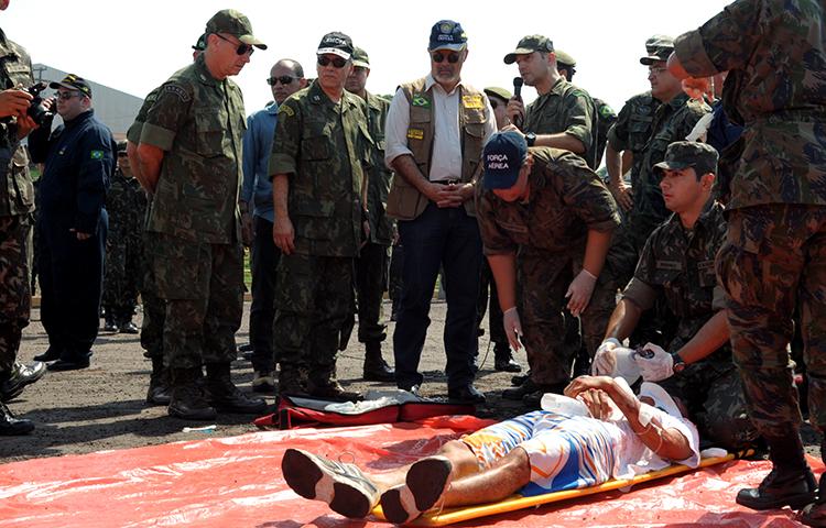 Operação Amazônia treina militares da Marinha, do Exército e da Aeronáutica, em Iranduba (AM)