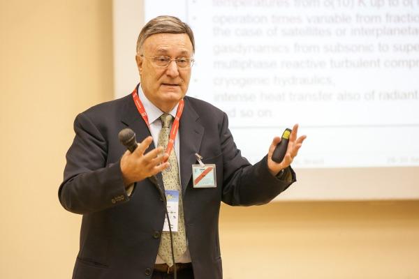 Professor Luigi de Luca, do Instituto Politécnino de Milão