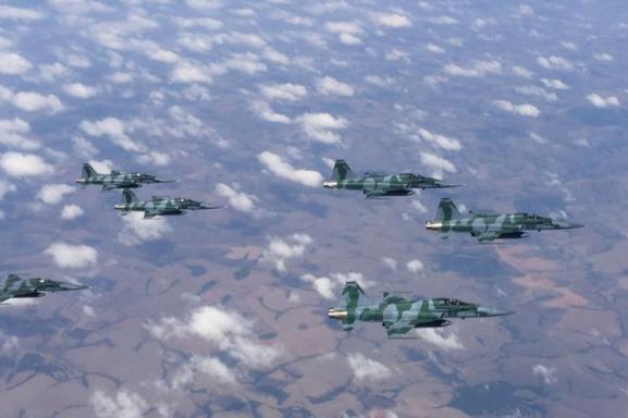1° Grupo de Defesa Aérea realiza campanha de tiro aéreo