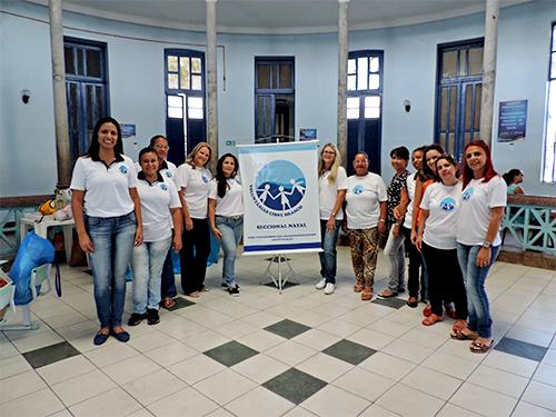 Voluntárias Cisne Branco ao fim da ação social no Hospital Infantil Varela Santiago