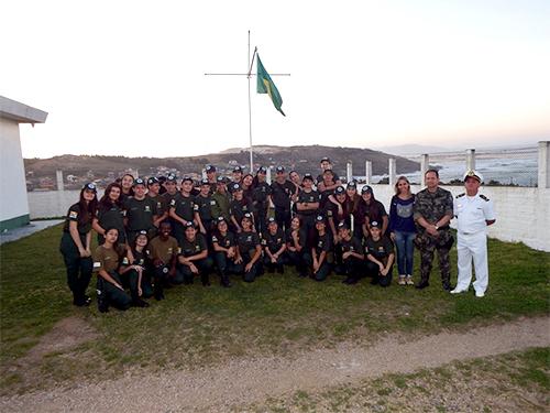 Alunos da Polícia Militar Ambiental visitam Radiofarol de Santa Marta