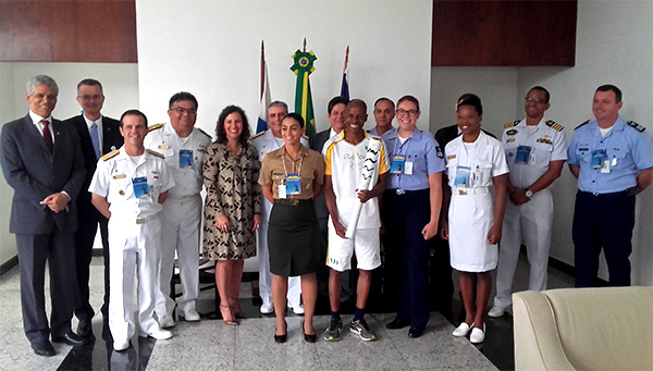 Atletas militares olímpicos visitam a Casa da Moeda do Brasil