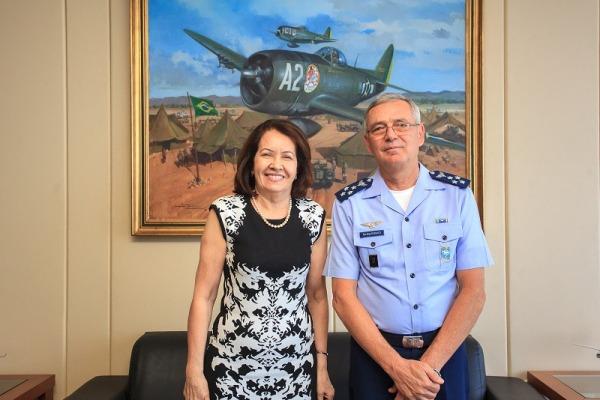 Comandante da Aeronáutica recebe visita da Presidente do STJ