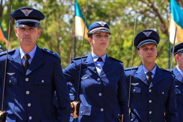 FAB publica aviso de convocação para 450 vagas de nível superior em todo o Brasil