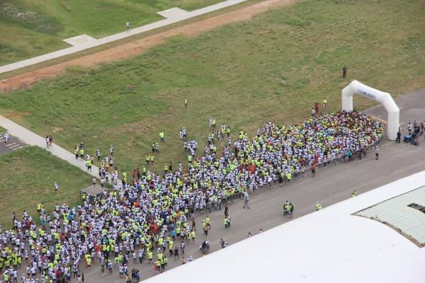 Corrida Santos-Dumont reúne mais de 3 mil atletas no RJ