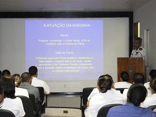 """Hospital Naval de Recife promove palestra """"Motivação para a Carreira Naval"""""""