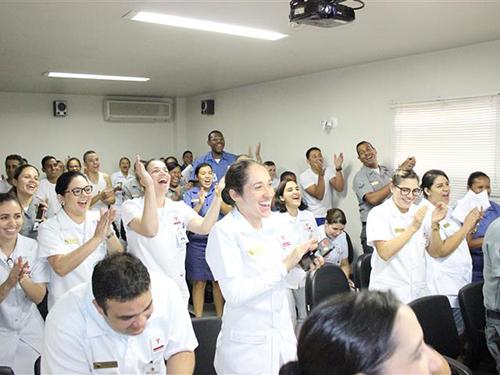Tripulação do Hospital Naval de Recife durante a palestra