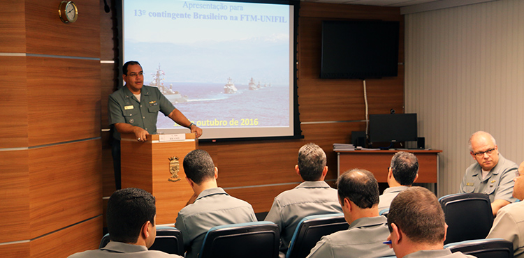Militares da Marinha se preparam para participar de missão no Líbano