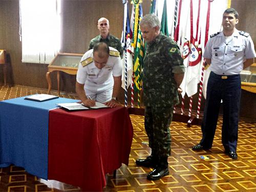 Marinha e Exército firmam termo de integração administrativa