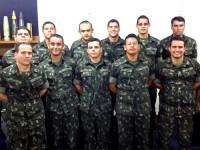 Militares da Arma de Engenharia, do Estágio de Desminagem para Oficiais do Exército Brasileiro