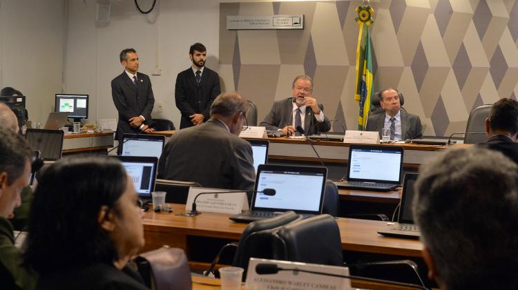 Ministro fala sobre projetos da Defesa em Comissão de Relações Exteriores do Senado