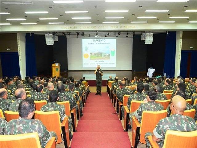Comando Militar do Oeste promove palestra do Adjunto de Comando do Exército