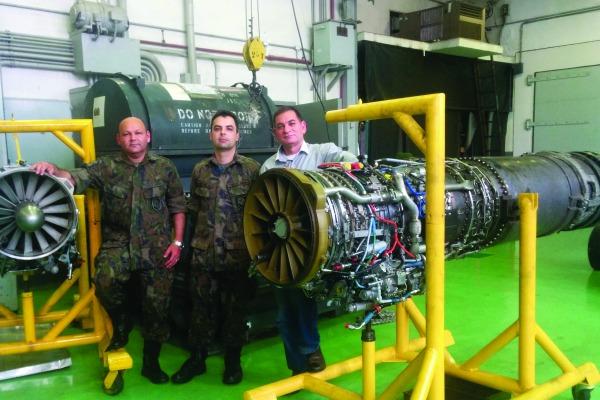 Parque de Material Aeronáutico de SP organiza acervo com motores de aviões de combate