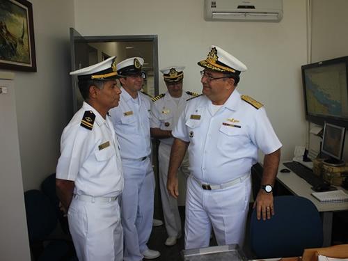 Vice-Almirante Lima Filho visitou as instalações da CPCE