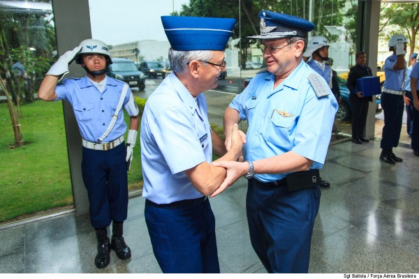 Reestruturação administrativa da FAB domina encontro entre comandantes