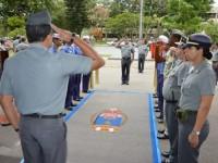 Comandante da Base Naval do Rio de Janeiro presta honras de recepção ao Comandante de Operações Navais