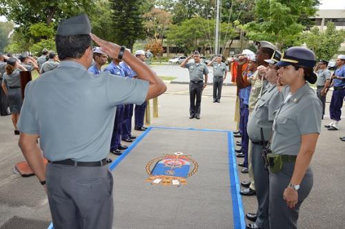 Comandante de Operações Navais visita a Base Naval do Rio de Janeiro