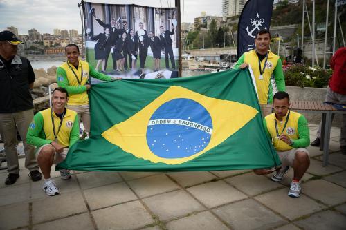 Aspirantes representando a Marinha do Brasil no Chile