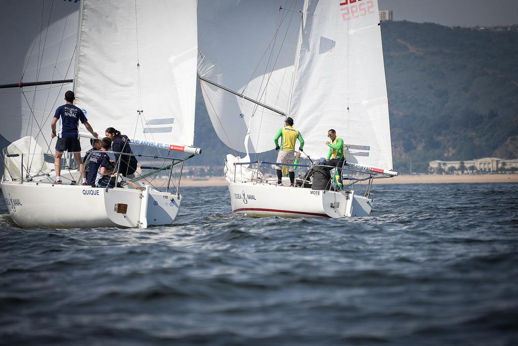Aspirantes da Escola Naval participam de regata em Valparaíso no Chile