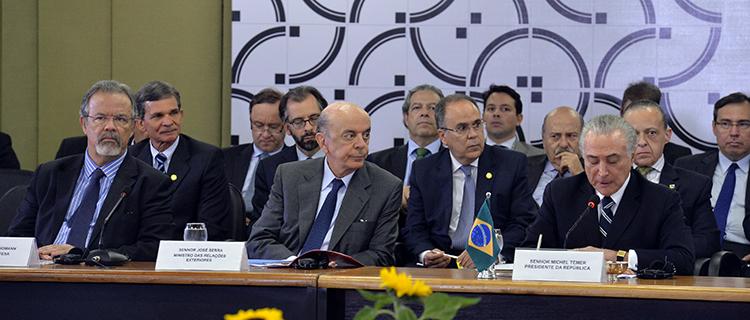 Forças Armadas do Brasil vão intensificar ações nas fronteiras com vizinhos sul-americanos
