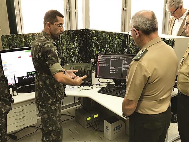 Centro Tecnológico do Exército realiza demonstração do Projeto RDS