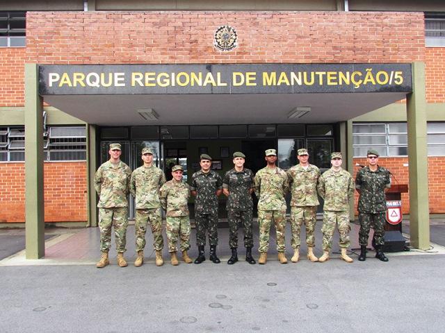 5ª RM recebe comitiva de militares do Exército dos EUA