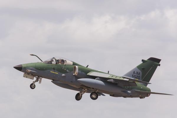 FAB concentra aeronaves de caça A1 em Santa Maria (RS)