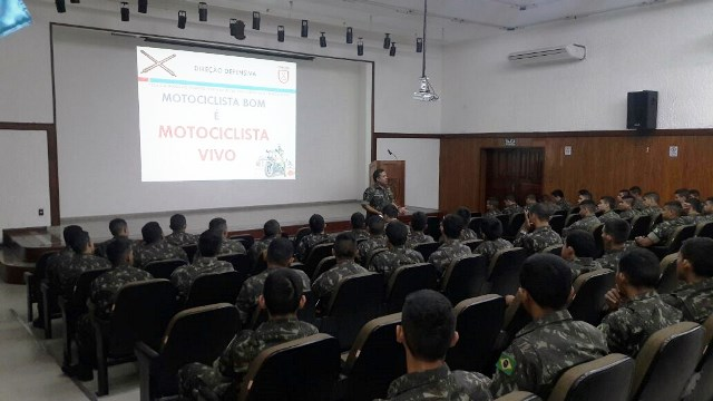 Estágio de Prevenção de Acidentes com Motocicleta atualiza mais de 120 militares em Manaus