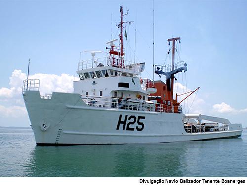 """Navio Balizador """"Tenente Boanerges"""" participa da Comissão Abrolhos VI"""