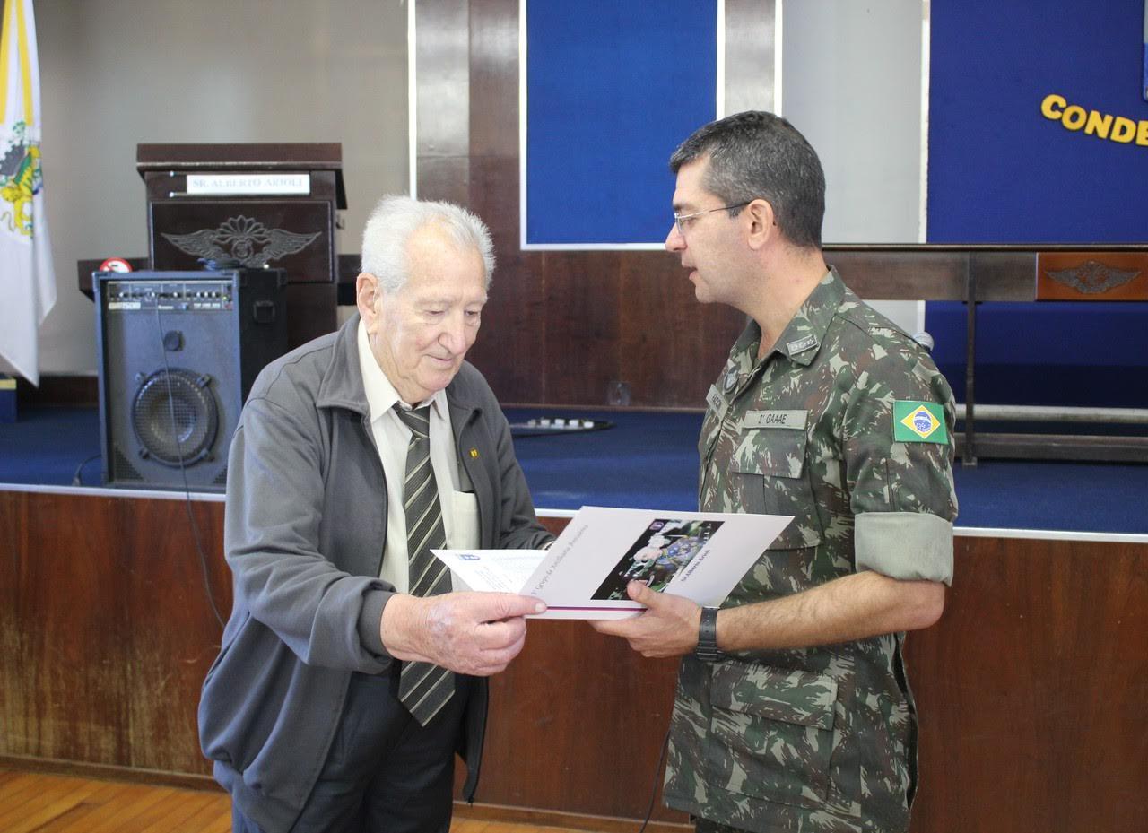 3º Grupo de Artilharia Antiaérea realiza palestra de Ex-Pracinha e visita ao Museu da FEB
